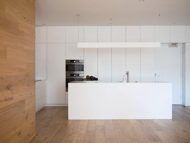 Modern Kitchen by Nexus Designs