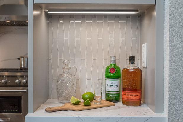 Modern Kitchen by Case Design/Remodeling San Jose