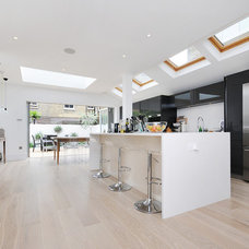 Modern Kitchen by MDSX Contractors Ltd
