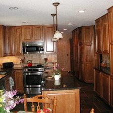 Traditional Kitchen by Kitchen Tune-Up of Eden Prairie , MN