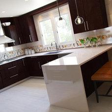 Modern Kitchen by Kitchens.com