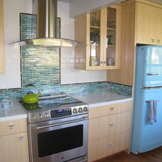 Contemporary Kitchen by The Kitchen Consultant