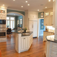 traditional kitchen by TrendMark Inc