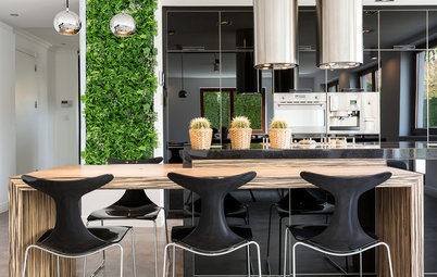 Best of the Week: 28 Indoor Vertical Gardens and Green Walls