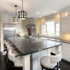 Transitional Kitchen by Kitchen Choreography