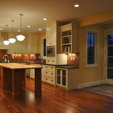 Eclectic Kitchen by Veranda Estate Homes & Interiors