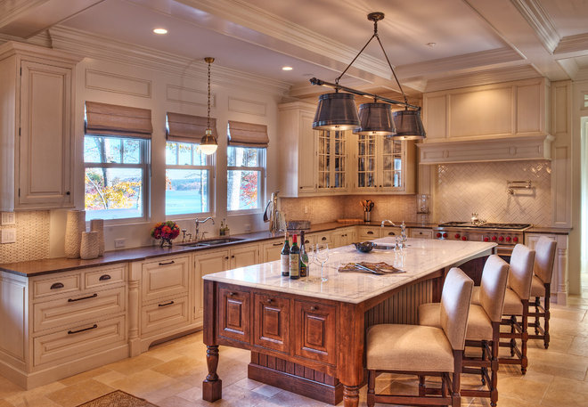 Beach Style Kitchen by Gabriel Builders Inc.