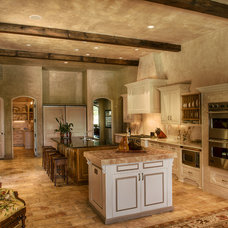 Mediterranean Kitchen by Gabriel Builders Inc.