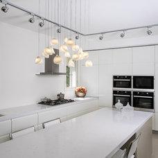 Modern Kitchen by Galilee Lighting