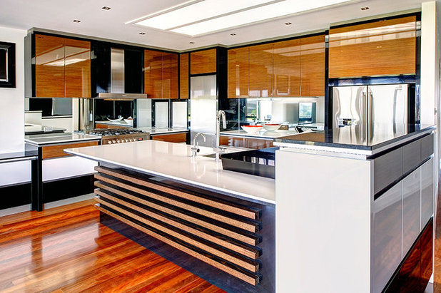 Contemporary Kitchen by Smith & Sons Toorak