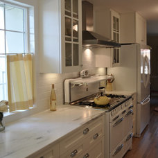Traditional Kitchen Galley 1