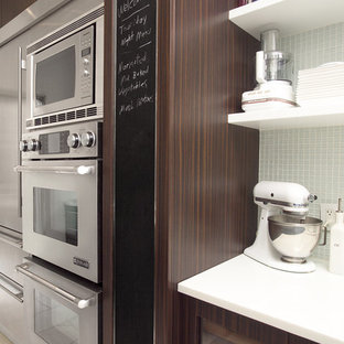 Trendy kitchen photo in Toronto with stainless steel appliances