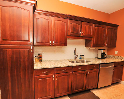 Traditional galley kitchen facelift for Traditional galley kitchens