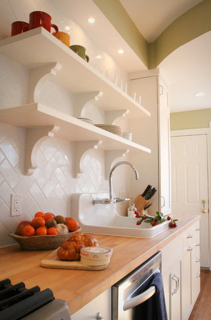 Traditional Kitchen by Four Brothers LLC
