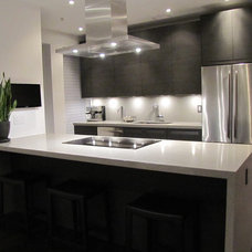 modern kitchen cabinets by Modiani Kitchens