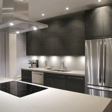 Modern Kitchen by Modiani Kitchens