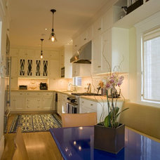 Traditional Kitchen by Podesta Construction