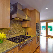 Modern Kitchen by Bill Fry Construction - Wm. H. Fry Const. Co.