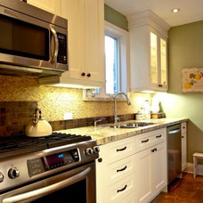Traditional Kitchen by Accoutrements Décor, Designs by Leasa Wright