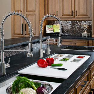 Inspiration for a kitchen remodel in Chicago