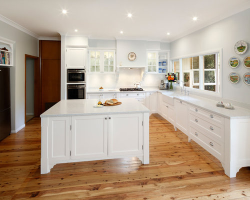 Nice Example Of A Large Classic L Shaped Open Concept Kitchen Design In Sydney  With A