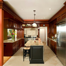 Traditional Kitchen by The Kitchen Guild