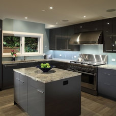 Contemporary Kitchen by Architrix Design Studio Inc.