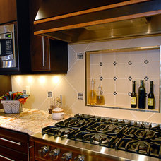 Traditional Kitchen by Interior Dimensions