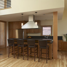Modern Kitchen by Gary Earl Parsons, Architect