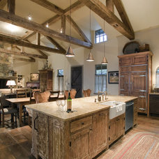 Rustic Kitchen by chas architects
