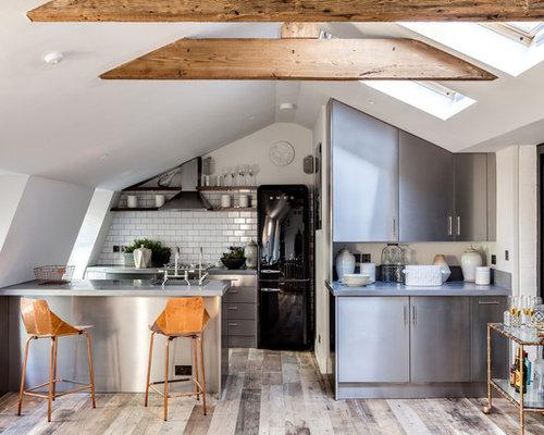 Küchen mit küchenrückwand aus metrofliesen und schrankfronten aus ...