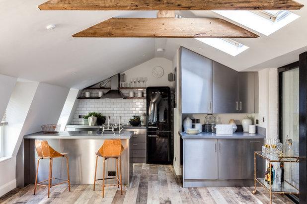 インダストリアル キッチン by Barlow & Barlow Design