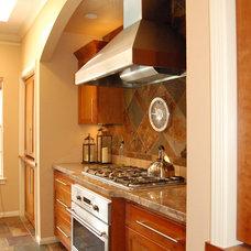 Traditional Kitchen by Kitchen & Bath Design Studio