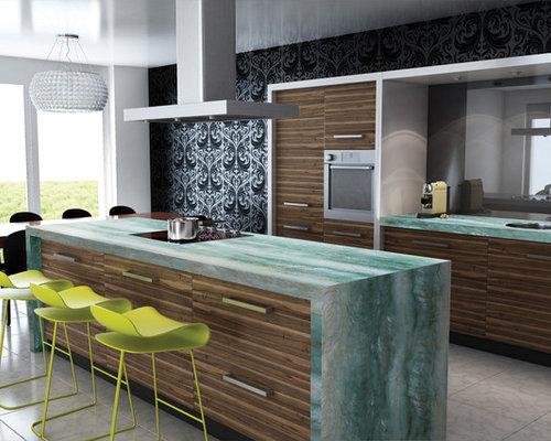 k chen mit braunen schr nken und quarzit arbeitsplatte. Black Bedroom Furniture Sets. Home Design Ideas