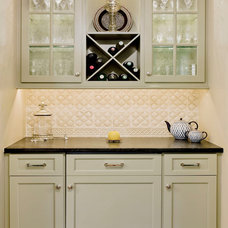 Traditional Kitchen by crbs co.