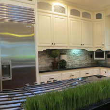 Traditional Kitchen by Interior Solutions