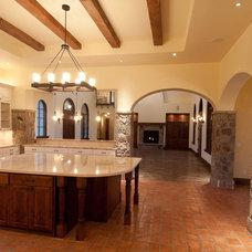 Mediterranean Kitchen by dC Fine Homes & Interiors