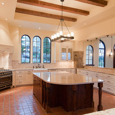 Mediterranean Kitchen by dC Fine Homes & Interiors