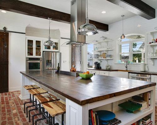 Cuisine avec un placard porte vitr e et un sol en brique photos et id es d co de cuisines - Carreau porte vitree ...