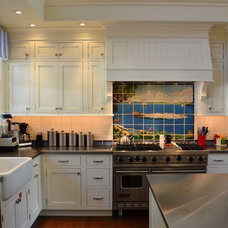 Traditional Kitchen by MCCORMACK & ETTEN ARCHITECTS LLP