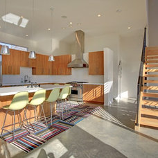 Modern Kitchen by Spacecrafting / Architectural Photography