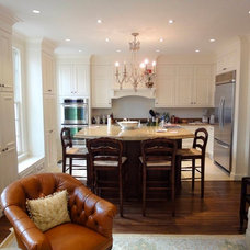 Traditional Kitchen by JAR Construction Company
