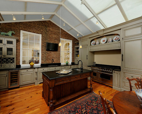 colonial kitchen cabinets | houzz