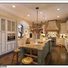 Traditional Kitchen by Laurel Feldman Interiors, IIDA