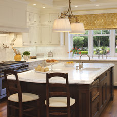 Traditional Kitchen by EJ Interior Design, Eugenia Jesberg