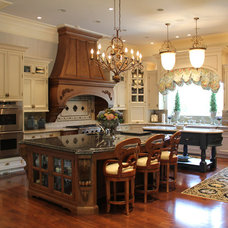 Traditional Kitchen by Gary Nance Design