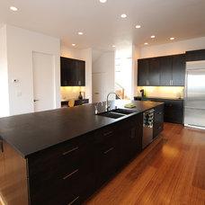 Modern Kitchen by Redding Architects LLC