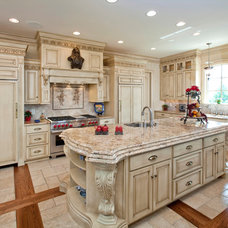 Traditional Kitchen by SEWELL'S CUSTOM CABINETS