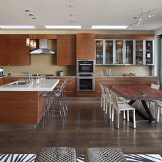 Contemporary Kitchen by TRG Architects