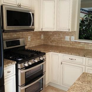 Giallo Comfort Kitchen
